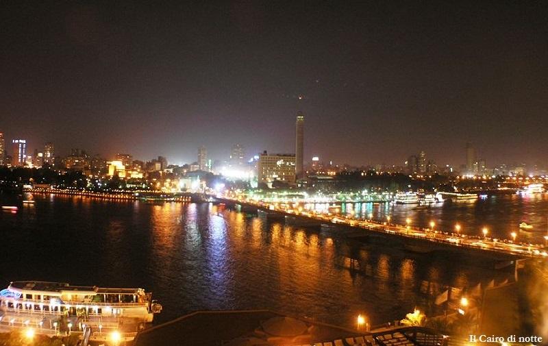 CAIRO NOTTE WIKIMEDIA didascalia